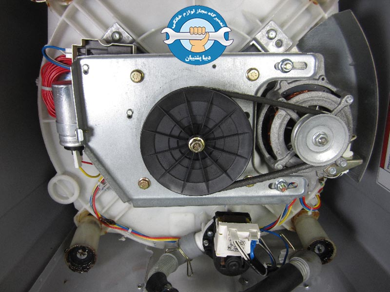 سوختن موتور ماشین لباسشویی به دلیل تنظیم نبودن تسمهها